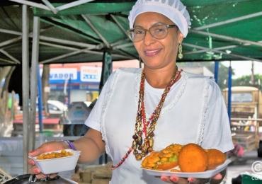 Descobrimos um tradicional acarajé baiano que faz o maior sucesso nas feiras de Goiânia