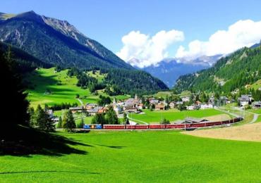 Existe uma vila na Suíça onde o visitante não pode mais tirar fotos das paisagens