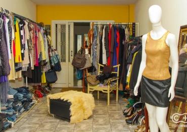 Descobrimos um brechó cheio de pechinchas em marcas de luxo aqui em Goiânia