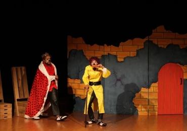 Goiânia recebe mostra de teatro de rua