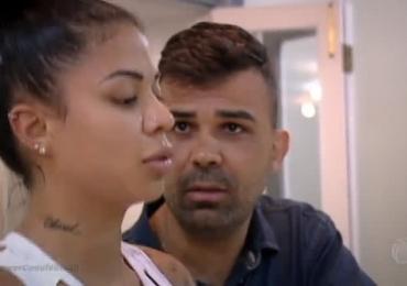 Participante de reality show insulta e ameaça esposa por ela ter engordado e revolta espectadores