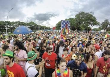 Blocos de Brasília fazem prévia de carnaval e animam foliões