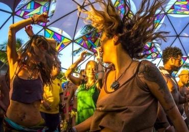 Goiânia recebe festa psicodélica com muita música eletrônica