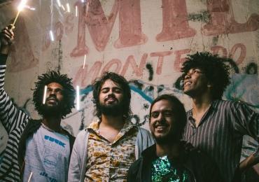 Boogarins fazem inédito espetáculo de 'cura e libertação' em Goiânia