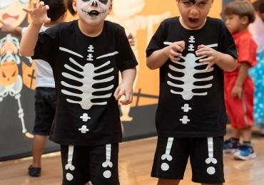 Em clima de Dia das Bruxas, shopping de Brasília recebe evento gratuito para a criançada