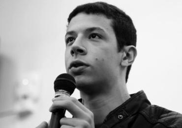 Vídeo de autista dando palestra sobre autismo emociona a internet
