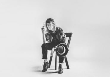 Sucesso no Youtube, Chell faz show de lançamento de seu EP em Goiânia