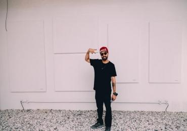 Artista Homero abre exposição 'Em Branco' com entrada gratuita em Goiânia