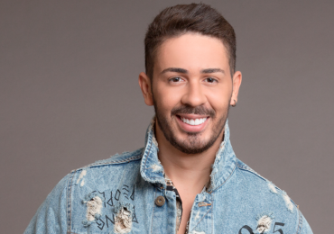 Carlinhos Maia traz seu famoso stand-up a Brasília