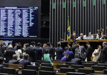 10 deputados goianos votam a favor de Temer; confira a lista completa da bancada de Goiás