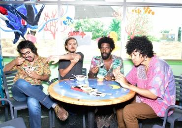 Boogarins faz show gratuito no Festival Bananada em Goiânia