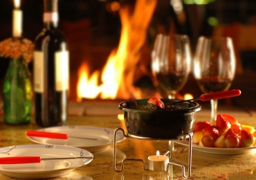 Fondue, vinho, café e caldo: 20 lugares perfeitos pra curtir a chuva em Goiânia