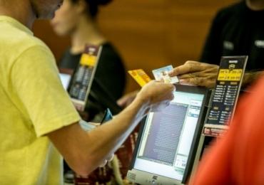 Câmara de Goiânia aprova carteirinha de meia-entrada para professores