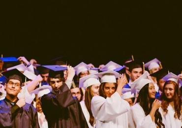 Reino Unido oferece bolsas de graduação de R$ 49 mil
