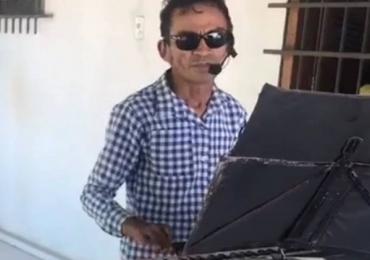Baterista do Pink Floyd compartilha versão de tecladista piauiense para clássico da banda e faz elogios