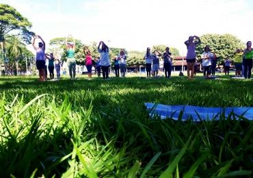 Projeto promove aulas de yoga abertas ao público em Uberaba