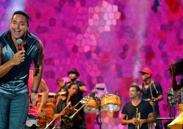 Harmonia do Samba se apresenta em centro comunitário universitário em Brasília