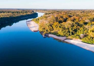 Descobrimos um novo manancial de águas quentes goiano em pleno Rio Araguaia