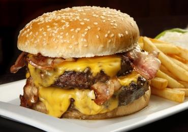 5 lugares para comemorar o Dia do Hambúrguer em Goiânia