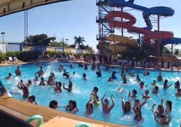 A programação conta com atividades regionais e culturais, além de acesso às piscinas e muita diversão em família