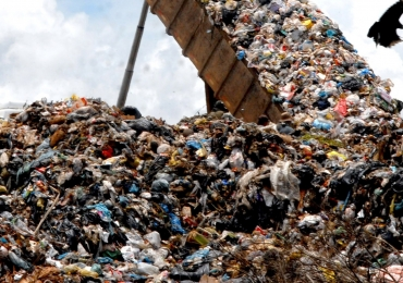 Homem perde R$ 260 milhões depois de jogar disco rígido no lixo