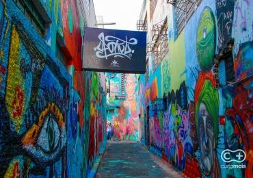 Artista paulistano lança livro sobre arte urbana no Beco da Codorna