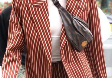 5 razões pelas quais você deve entrar na moda das pochetes agora mesmo