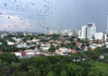Semana começa com pancadas de chuva em Goiânia e temperatura pode cair nos próximos dias