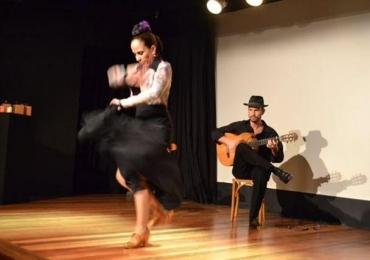 Espetáculo em Brasília celebra a música e dança flamenca