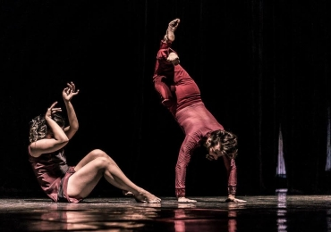 Grupo de dança realiza apresentações gratuitas em parques de Goiânia