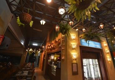 Restaurante de Brasília promove comemoração em dose dupla