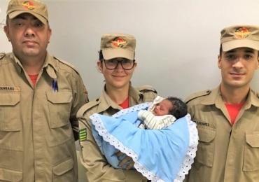 Mãe dá a luz dentro dentro de uma unidade de resgate dos Bombeiros em Aparecida de Goiânia