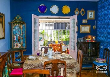 Empório Danilo Perillo esconde antiquário e bistrô francês Lacroix em casarão art deco no centro de Goiânia