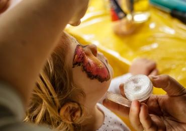 Shopping oferece programação de teatro infantil e pintura de rosto gratuitas em Goiânia