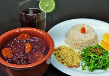 Almoço com feijoada vegana e samba ao vivo acontece em Uberaba