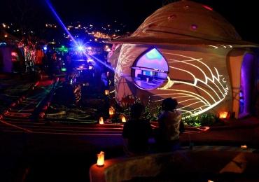 Pousada Espaço Naves Lunazen próxima de Brasília inova com temática espacial