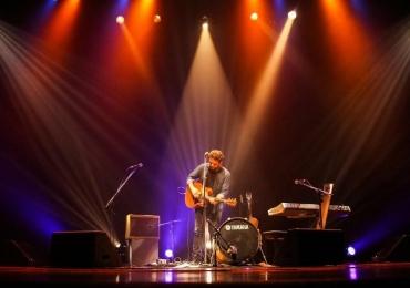 Marcos Almeida apresenta turnê 'Eu Sarau' com músicas inéditas em Goiânia
