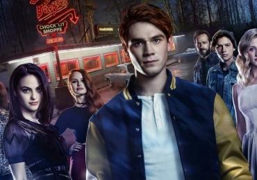12 séries adolescentes escondidas para você assistir na Netflix