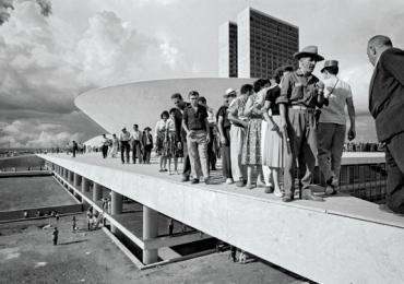 Confira 12 fotos da construção de Brasília