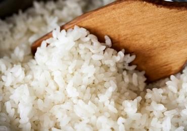 Anvisa proíbe venda de lote de arroz com excremento, pelo de rato e larvas