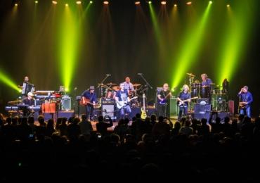 Dire Straits Legacy faz show em Belo Horizonte