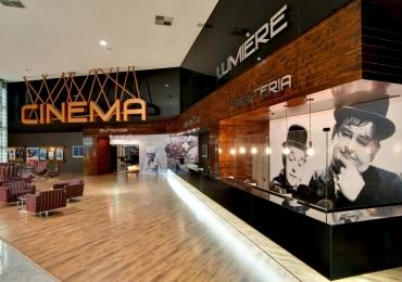 Supermercado vende ingresso de cinema mais barato que meia entrada em Goiânia e Catalão