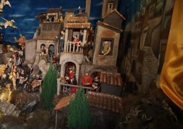Presépio Napolitano é aberto a visitação em Uberlândia  Exibição acontece até o fim de dezembro