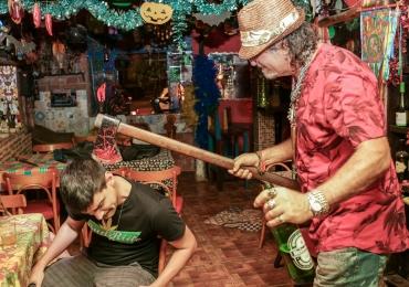 Don Guina Pub, em Goiânia: o bar que se orgulha de ter o pior atendimento do Brasil