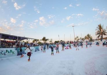 Maior pista de patinação no gelo ao ar livre chega a Brasília pela segunda vez