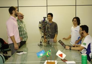 Robô desenvolvido em Uberlândia representa o Brasil em competição mundial no Canadá