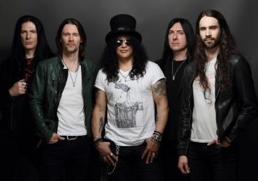 Slash desembarca em Brasília para show de sua nova turnê