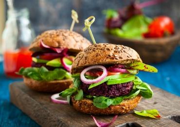 5 burgers vegetarianos em Goiânia que todo mundo deveria experimentar