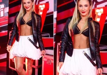 Na final do The Voice Brasil o look de Cláudia Leitte foi mais comentado que a música