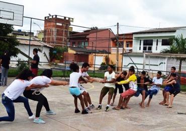 Projeto Curumim leva brincadeiras de rua e jogos populares para as crianças em Samambaia